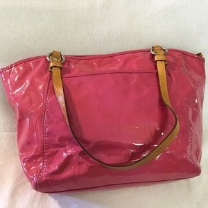 325 Bags - COACH LEAH Large Patent Leather Signature Tote